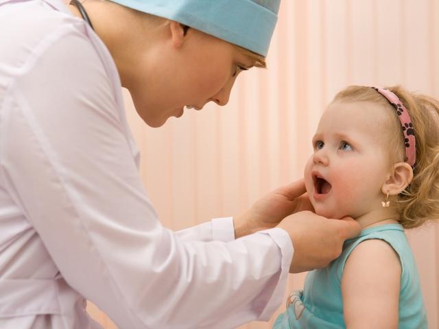Почему дети боятся врачей?